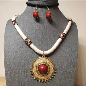 Ethnic style round pendant necklace n earrings set